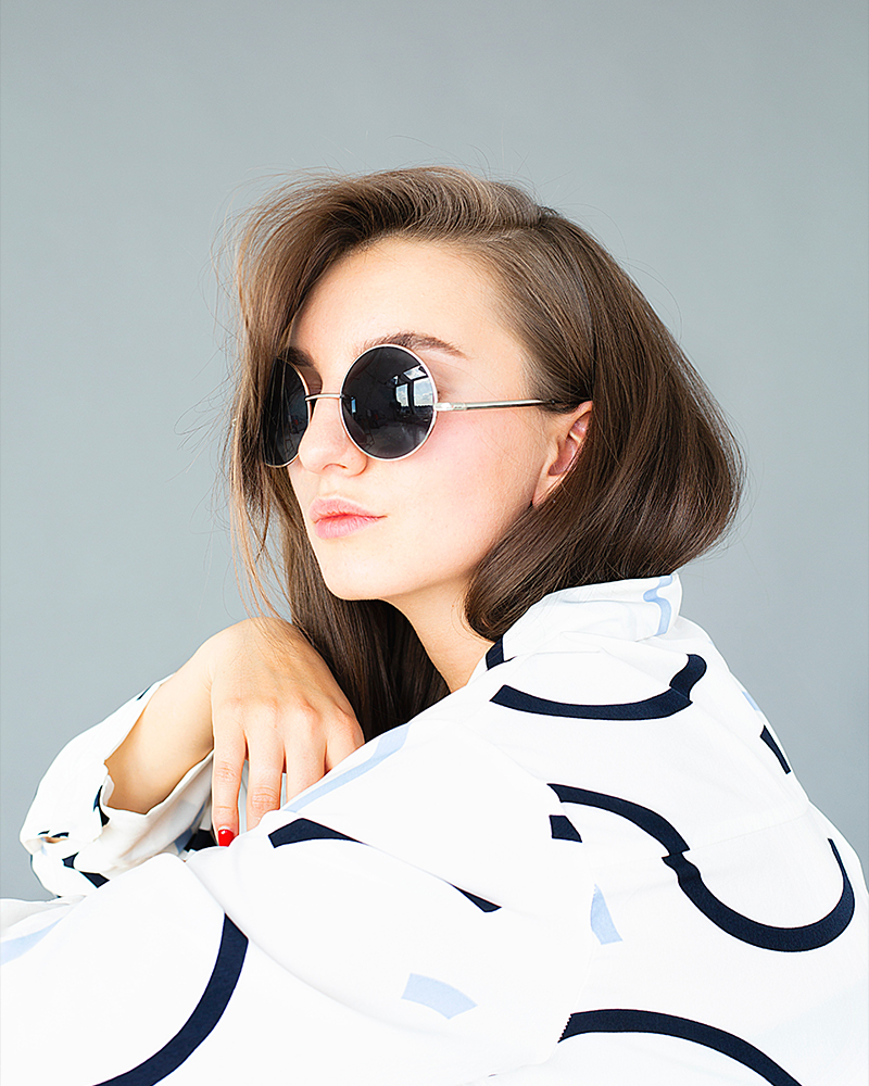 Round Woman sunglasses